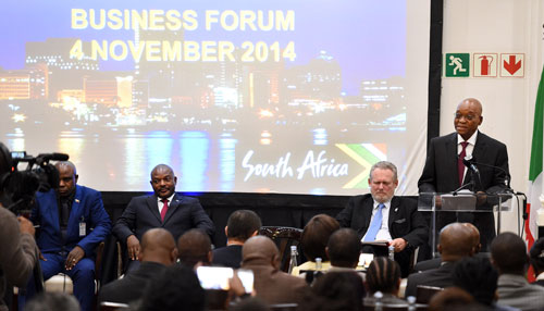 President Zuma addressing the SA - Burundi Business Forum held at Taj Mahal Hotel in Cape Town with President Pierre Kurunziza of Burundi and DTI Minister Rob Davies. Photo: GCIS