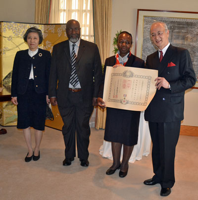 In accepting her Order of the Rising Sun, Gold and Silver Rays, Mrs Solani Mirriam Mazibuko pointed out that the values of respect, kindness, generosity and family were common in all cultures. She is pictured here with Mr Mazibuko and Ambassador and Mrs Yutaka Yoshizawa.